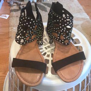 Size 8 NWOT SANDALS